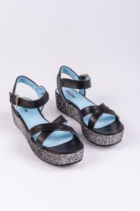przykład skórzanych sandałów od Pollini