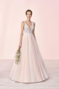 suknia ślubna z odkrytymi plecami i dekoltem